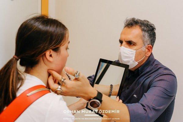 jawline dolgu işlemi öncesi hastanın bilgilendirilmesi