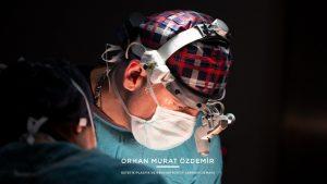 estetik cerrah kepçe kulak ameliyatı yapıyor