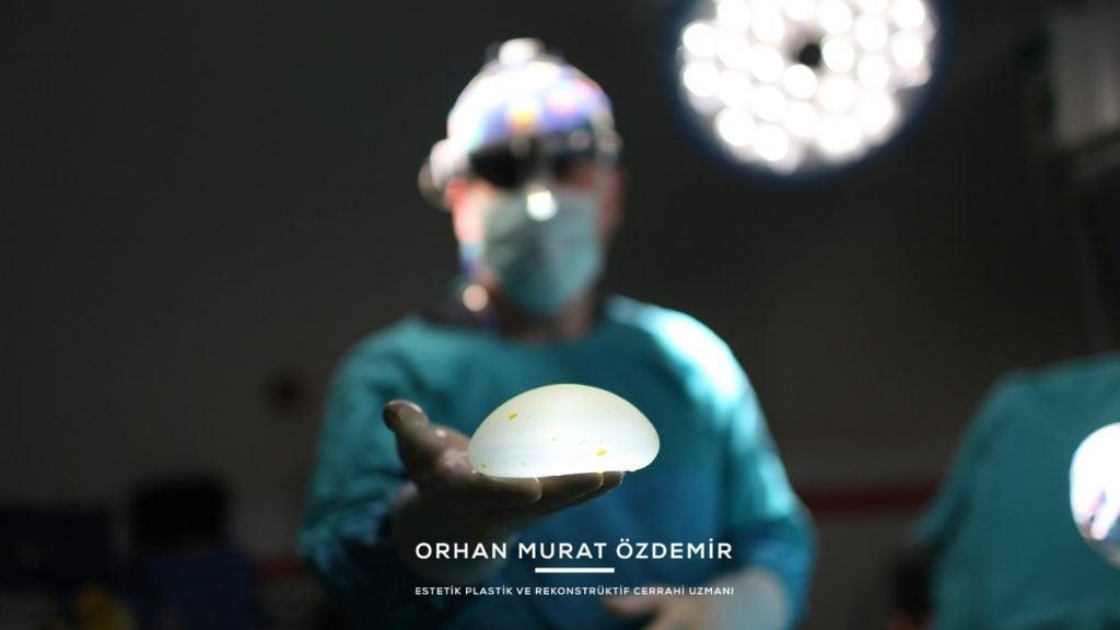 meme büyütme ameliyatı silikon protez ile Estetik Cerrah Op. Dr. Orhan Murat Özdemir